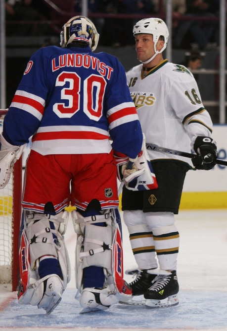 Avery pestering Lundqvist earlier this season